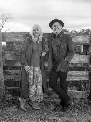 EMMYLOU HARRIS & RODNEY CROWELL - The travelling kind (2015) 2
