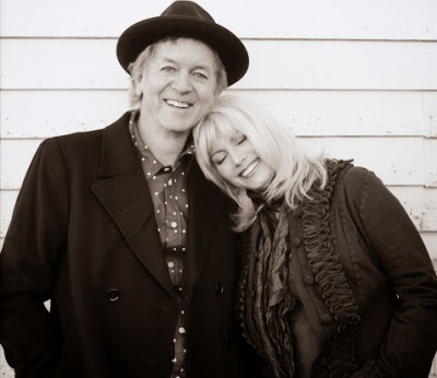 EMMYLOU HARRIS & RODNEY CROWELL - The travelling kind (2015) 3