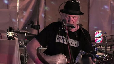 NEIL YOUNG + PROMISE OF THE REAL - The Monsanto Years (2015) 2