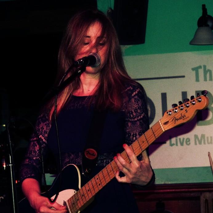 Con Carolina Otero & Lil Knife (crónica concierto Pub Dublín) 1