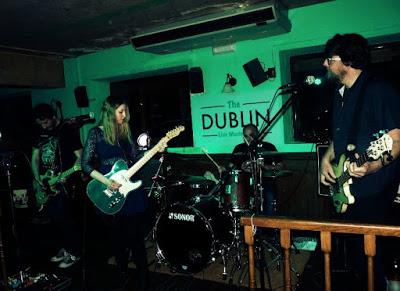 Con Carolina Otero & Lil Knife (crónica concierto Pub Dublín) 2