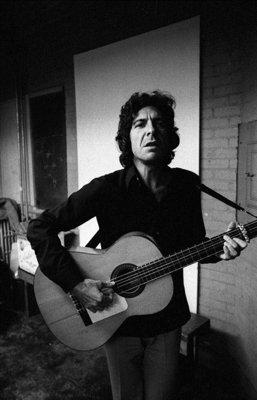 Reportaje especial sobre Songs of love & hate de Leonard Cohen por su 50 aniversario.