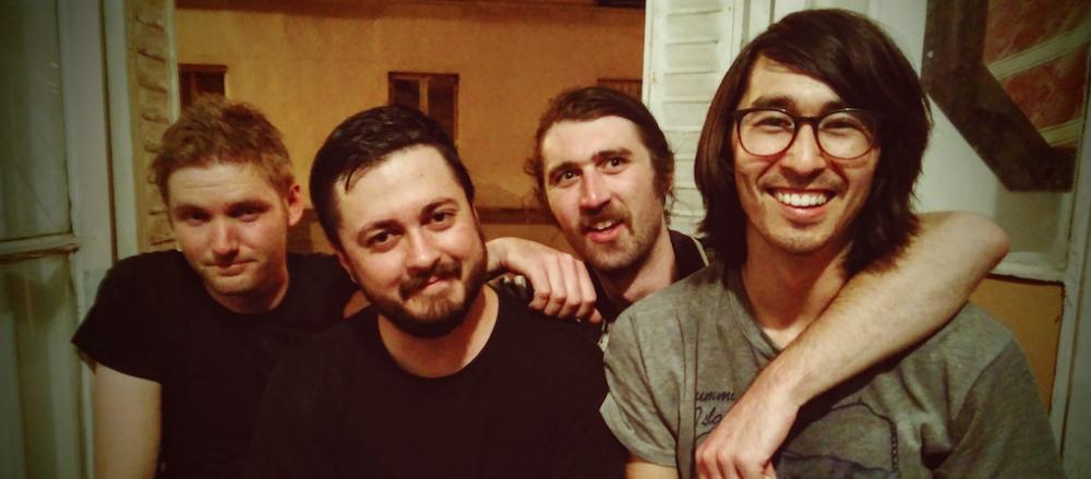 """La banda de San Francisco, Cool Ghouls, llevan una década acariciando nuestros oídos, pero con su nuevo y flamante """"At George's Zoo"""" tocan el cielo. Uno de los mejores discos del año."""