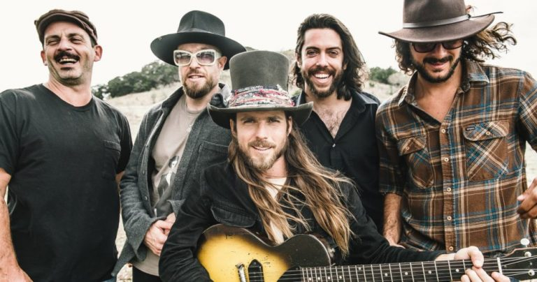 """Lukas Nelson & Promise of the Real, """"A Few Stars Apart"""""""
