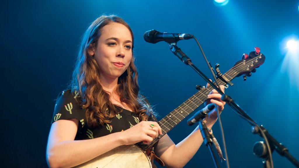 Crítica del nuevo disco de la maravillosa y dulce cantautora tejana Sarah Jarosz que nos regala belleza y paz en sus 11 canciones
