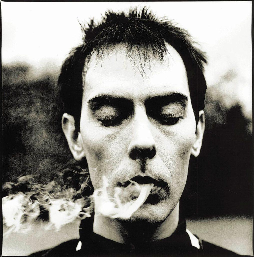Noticia sobre Peter Murphy y su álbum de rarezas 'The last and only star'.